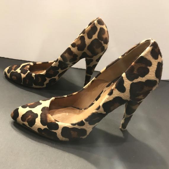 Animal-skin footwear