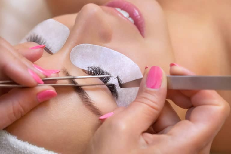 How To Select The Best Eyelash Extension Course?