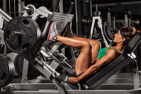 Strength Training: 5 Reasons To Lift Weights For Women