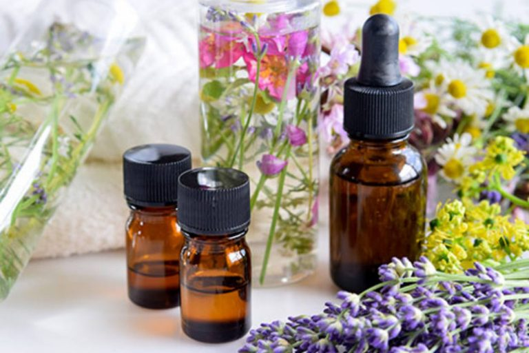 Essential Oils 101: Top 7 Essential Oils and Their Curative Power
