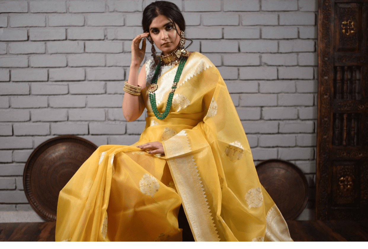 THINGS TO LOOK OUT FOR WHILE BUYING AN ORGANZA SAREE