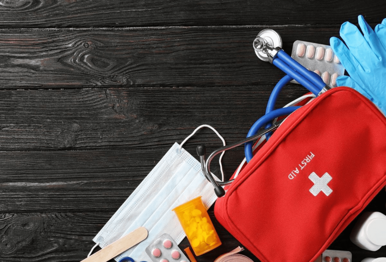 Emergency! Top Items Your Survival Kit Must Contain