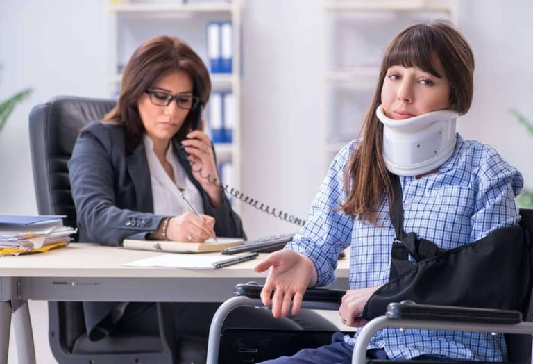 What Does a Personal Injury Lawyer Do? A Guide