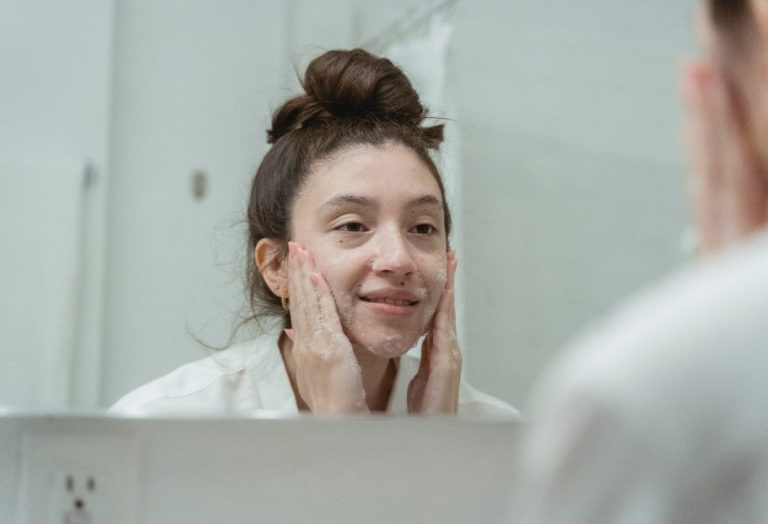 Who Should Get a Facial Lift?
